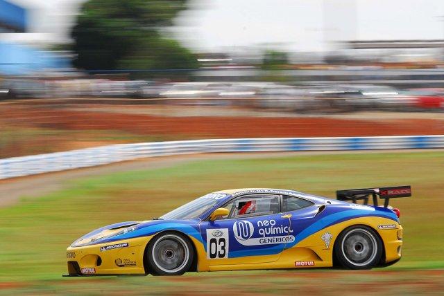 07c76ed41a Ferraris, Lambos, Ford GT, Vipers e Porsches (vi os símbolos da Aston  Martin e Corvette mas não achei equipe que tenham esses carros) tomam conta  das pistas ...
