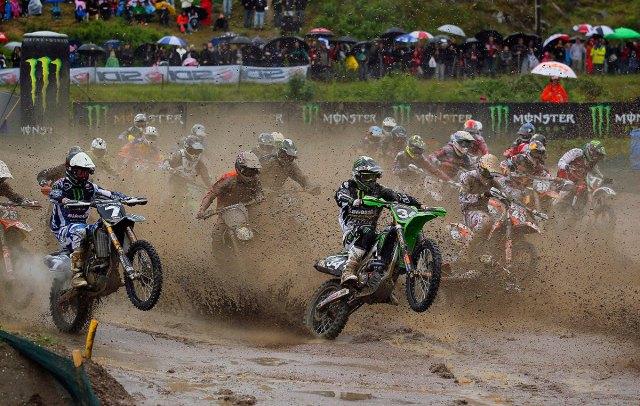 MX2-muddy-start