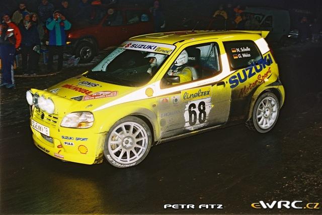 Niki Schelle - Gerhard Weiss -Suzuki Ignis S1600