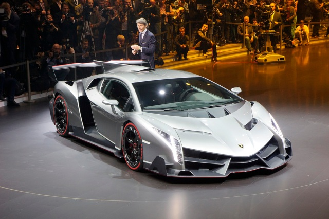 Lamborghini Veneno 02