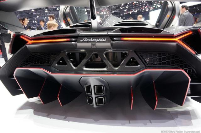 Lamborghini Veneno 06