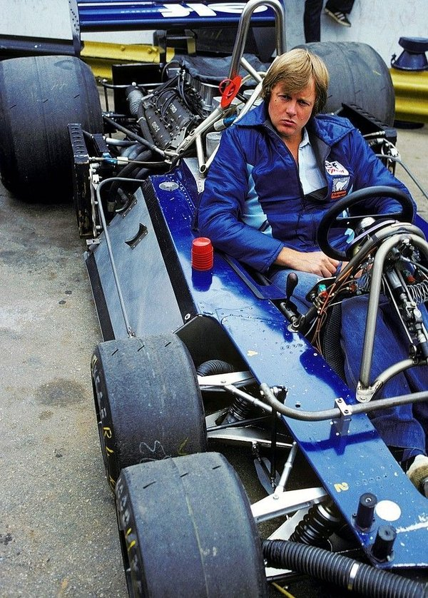 ronnie_peterson__1977