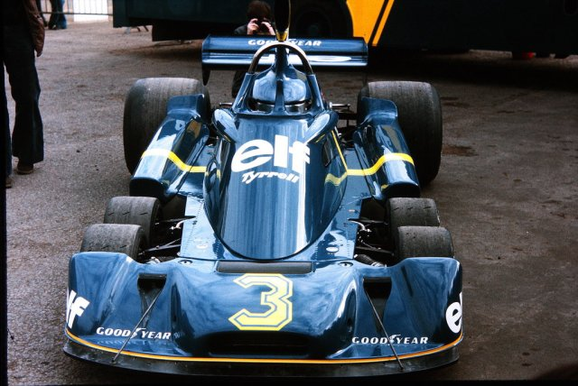 tyrrell_p34__1976_brdc_international_trophy__by_f1_history-d6eh7bw
