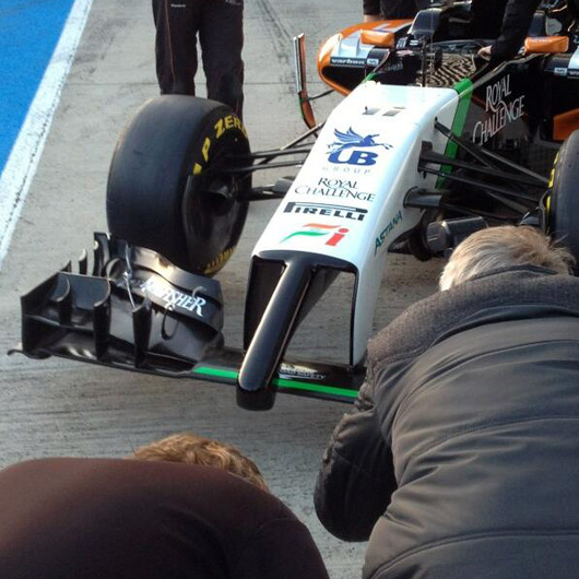 Force-India-VJM07-pit-lane