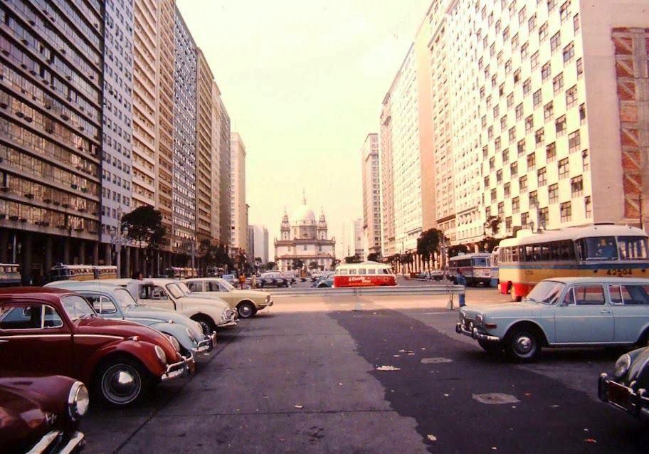 rio-de-janeiro-av-pres-vargas-1970-estacionamento