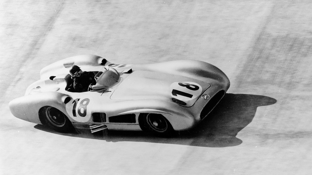 juan-manuel-fangio-left-us-20-years-ago-to-date-video-97917_1