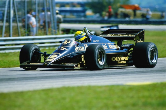 RIO DE JANEIRO - APRIL 7:  Lotus driver Ayrton Senna of Brazil in action during the F1 Brazilian Grand Prix held on April 7, 1985 at the Jacarepagua circuit in Rio de Janeiro, Brazil. (Photo by Michael King/Getty Images)